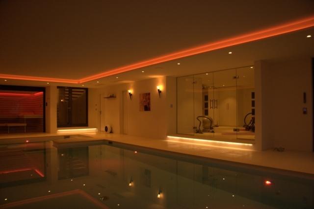 Luxus Sauna Fitness Pool Lichtstimmungen Smart Control Szene1